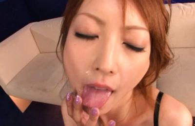 Kaede Matsushima Asian chick gives an amazing blowjopb