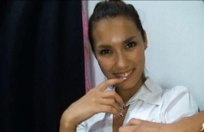 Maria Ozawa Nasty Asian babe shows off her snatch