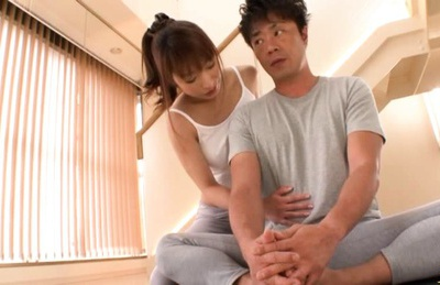 Sporty Mika Kayama works hard on cock