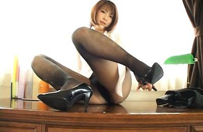 Rin as boss showing off her beautiful body