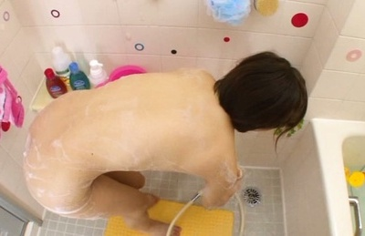Sexy japanese teen Ayumi Kimino enjoys wet oral