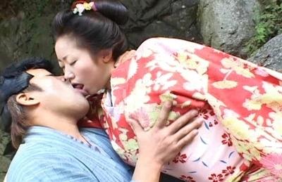Kotone Yamashita Dressed In Kimono Looks Lovely Outdoors