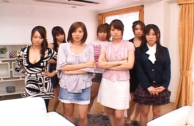Japanese AV models are horny chicks who give hand jobs and blowjobs