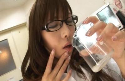 Serina Hayakawa Naughty Asian doctor sucks her patients