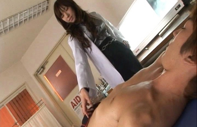 Serina Hayakawa Asian doll enjoys a pussy licking
